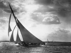 Sailing Yacht Mohawk at Sea